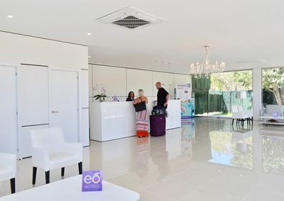 eo_Suite_Hotel_Jardin_Dorado_Reception_1