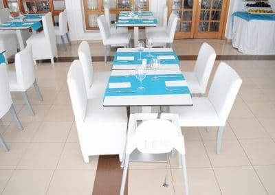 eo-Jardin-Dorado-Restaurant_Highchair
